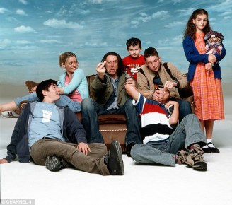 0073a19700000258-3278998-the_cast_of_shameless_which_started_in_2004_have_gone_to_differe-a-20_1445595014386
